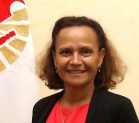 Portrait de la ministre